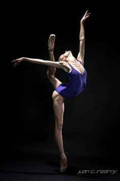 Oksana Maslova with Pennsylvania Ballet | Photography by Juan C. Irizarry
