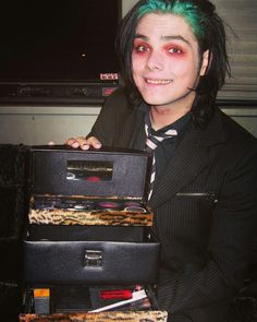 """current-mcr-news: """"cocktailsndreams: In light of all of the My Chemical Romance excitement, I wanted to share one of my favorite photos from my writing days. I interviewed Gerard Way for the UNLV. Gerard Way, Mikey Way, Frank Iero, My Chemical Romance, Band Memes, Emo Bands, Music Stuff, Romans, Music Artists"""