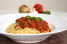 Zeina, Just Eat It, Spaghetti, Pasta Recipes, Food And Drink, Blog, Lunch, Meat, Cooking