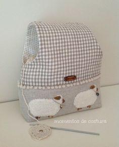 Bolsa para proteger y guardar las labores de crochet