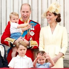 Prince William Duke of Cambridge Catherine Duchess of Cambridge Prince Louis of Cambridge Prince George of Cambridge and Princess Charlotte of. Kate Middleton Et William, Prince William Et Kate, William Kate, Prince Harry And Meghan, Prince And Princess, Princess Kate, Princesa Charlotte, Prince Georges, Duchess Kate