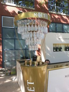 Moët & Chandon Lounge at the U. Moet Chandon, Champagne Bar, Wine Decor, Home Room Design, Restaurant, Flower Cart, Bars For Home, Lounge, Event Decor