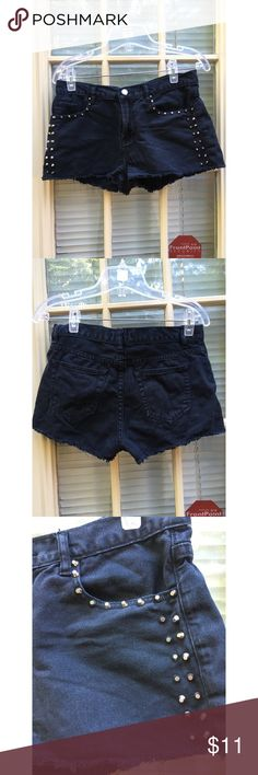 ⬇️ Final markdown! forever 21 black studded shorts - Forever 21 Black Studded Shorts  - Awesome black shorts from forever 21 - Studs throughout, none missing - great condition  - Button and zipper in tact as well - Fraying at the end (purchased that way) - Relatively short overall  - Brand: Forever 21 - Size: 28 (runs a bit small could also fit 27) *20% off 2+ * Make me an offer!! Forever 21 Shorts Jean Shorts