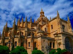 Cathedral de Santa Maria, Segovia - Begun in the 16th century but not finished until 1768, Segovia Cathedral is the last Gothic cathedral to be built in Spain