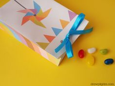 free printables for this favor bag! I could add a picture of L to this with double sided tape on top of the pinwheel if it's not a pinwheel themed party