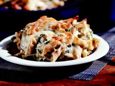 Rachael Ray's Spinach and Artichoke Mac 'n' Cheese. #morecheesepl...