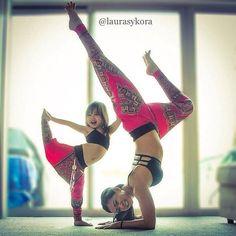 Yoga : Les Adorables Photos de Cette Maman qui Pose Avec sa Fille de 4 Ans