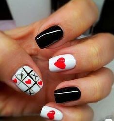 16 Sweet and Lovely Valentijnsdag Nail Art Design-ideeën Heart Nail Designs, Creative Nail Designs, Creative Nails, Nail Art Designs, Love Nails, How To Do Nails, Pretty Nails, My Nails, Heart Nail Art