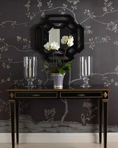 Enchanting Hallway Decorated By Beautiful Black Floral Wallpaper Design Impressive Wallpaper in the Hallway and Corridor for Cozy Space Situation Home decoration Black Floral Wallpaper, Handmade Wallpaper, Floral Room, Chinoiserie Wallpaper, Motif Floral, Inspiration Wall, Hallway Decorating, Luxury Interior Design, Room Paint