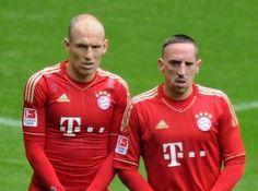 Arjen Robben (l) und Franck Ribery sind wieder ins Mannschaftstraining zurückgekehrt. (Foto: Marc Müller/dpa)