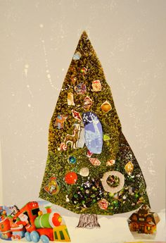 The Mischievous Mommy: O, Christmas Tree  Holiday craft that involves your child Great way to make handmade Christmas cards!