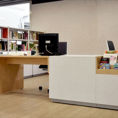 Arredi per Biblioteca Toscolano Maderno Desk, Furniture, Home Decor, Desktop, Decoration Home, Room Decor, Table Desk, Home Furnishings, Office Desk