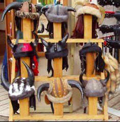 horn-helmets-by-rena