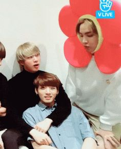 Omo this is so cute J-Hope being a cute little flower like always and our golden maknae in his eomma's arms