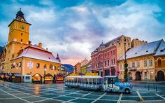 Brasov, Romania - Christmas Market in Piata Sfatului square, Landmark and traditional city train of Transylvania Mall Of America, North America, Beach Trip, Beach Travel, Brasov Romania, Visit Romania, Romania Travel, Travel Guide, Budget Travel