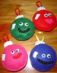 Felt ornaments, good idea for G's tree in her play room.