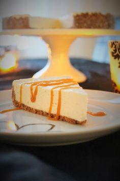 Pienet herkkusuut: Ihana Uuniomenan makuinen juustokakku kinuskikastikkeella
