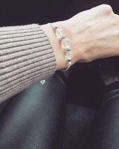 Zsinór ásvány karkötő Hegyikristály Védelmező, jótékony hatású ásványokból Diamond, Bracelets, Instagram, Jewelry, Fashion, Moda, Jewlery, Bijoux, Fashion Styles