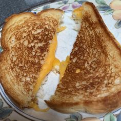 National Grilled Cheese Day, Perfect Grilled Cheese, Grilling, Ethnic Recipes, Happy, Food, Crickets, Essen, Ser Feliz