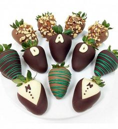 Shop special gift items for Dad for Father's Day. These chocolate covered gourmet strawberries ship fresh to your door. Show dad how special he is this year. Delicious treats and more. Shop with us at Gourmet Gift Baskets today. Gourmet Gift Baskets, Gourmet Gifts, Chocolate Dipped Strawberries, Chocolate Covered Strawberries, Strawberry Dip, Strawberry Recipes, Strawberry Shortcake, Homemade Chocolate, Chocolate Recipes