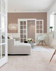 Farveinspiration: Maling af en enkelt væg - Lilly is Love Living Room Color Schemes, Living Room Colors, Living Room Designs, Living Room Decor, Home Panel, Scandinavian Living, Living Room Inspiration, Beautiful Interiors, Interior Design
