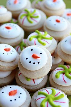 3 dozen Mini Vanilla Snowman Christmas Candy door CraftedCookies