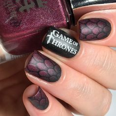 Game of thrones nails - Powder perfect - Kings and Castles 1