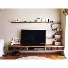 Living Room Partition Design, Living Room Tv Unit Designs, Room Partition Designs, Home Living Room, Interior Design Living Room, Living Room Decor, Living Room Shelves, Tv Wall With Shelves, Tv Shelf
