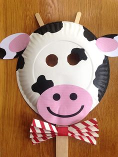 Chick-Fil-A cow mask chickfila cow day paper plate crafts paper plate cow p Farm Animal Crafts, Farm Crafts, Animal Crafts For Kids, Toddler Crafts, Preschool Crafts, Kids Crafts, Farm Animals, Paper Plate Animal Masks, Animal Masks For Kids