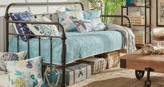 Nine Amazing Day Beds For Your Home
