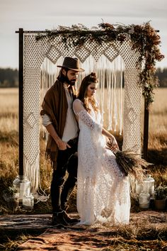 Macramé decor is characteristic of boho wedding style. It can be used for lots of things but this roundup is all about macrame wedding backdrops and arches. Wedding Arch Rustic, Wedding Wall, Boho Wedding Decorations, Backdrop Wedding, Photography Backdrops, Wedding Photography, Photography Studios, Photography Marketing, Boho Dekor
