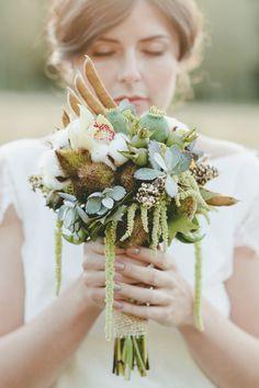 Green earthy bouquet