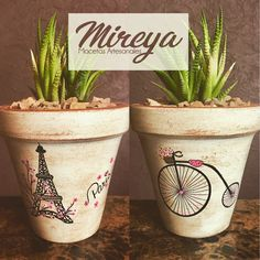 Vintage. Paris. Torre Eiffel. Maceta pintada a mano. Terracota pot. Handpainted Clay Pot Projects, Clay Pot Crafts, Painted Plant Pots, Painted Flower Pots, Clay Pot People, Decorated Flower Pots, Garden Solutions, Flower Pot Crafts, Pot Lights