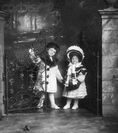 Consuelo's first cousins Cornelius III & Gladys Vanderbilt, children of Cornelius Vanderbilt II and Alice Claypoole Gwynne.  When Cornelius II  was living, he was patriarch of the Vanderbilt family. He, in essence, disinherited his namesake because his son married without his permission. As fate would have it, Cornelius III ended up inheriting his grandfather's Fifth Ave mansion and much of his estate anyway. His sister Gladys would later marry Hungarian Count László Széchenyi.