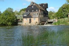 Places To Visit Uk, River Trail, English Village, Old Barns, Travel Photographer, Britain, Around The Worlds, England, Cottage