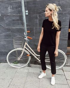 45 Outfit to Wear with Sneakers for Your Every Day Look #Outfit http://seasonoutfit.com/2018/01/11/45-outfit-to-wear-with-sneakers-for-your-every-day-look/