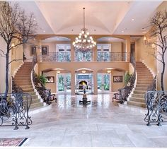15 Extremely Luxury Entry Hall Designs With Stairs – Decorating Foyer Luxury Homes Interior, Luxury Home Decor, Interior Design, Mansion Interior, Flur Design, Hall Design, Lobby Design, Mobile Home Decorating, Foyer Decorating