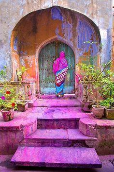 Trendy old door india architecture Yoga Studio Design, India Colors, Vibrant Colors, Colours, Bright Purple, India Architecture, Gothic Architecture, Ancient Architecture, India Culture