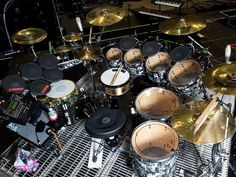 Shannon Leto drum set