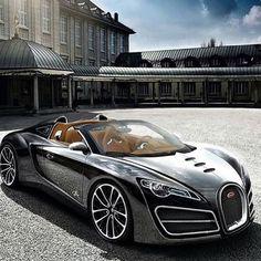 Pouco estilosa essa Bugatti? Siga @hombrelifestyle para mais inspiração de lifestyle e @so.maquinas para as melhores máquinas automotivas