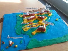 Mapa fisico de plastilina Sistema Solar, Spanish Projects, Pirate Theme, Summer School, Social Science, Social Studies, Geography, Curriculum, Picnic Blanket