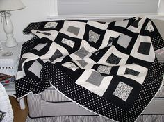 Black and White Quilt by Carolyn Hughey, via Flickr