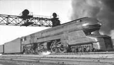 OLDE TRAINS - STRANGE ART DECO DESIGN 1939 LOCOMOTIVE - RAYMOND LOEWY DESIGN