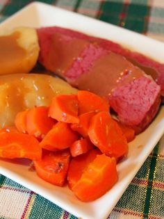 Jo and Sue: Guinness Crock Pot Corned Beef