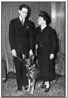 A blind man named Morris Frank and police/rescue dog trainer, Dorothy Harrison Eustis, founded the first school in the US for guide dogs for the blind. It was named The Seeing Eye. Great Women, Amazing Women, Amazing People, Dogs With Jobs, Dog Food Comparison, Dog Boarding Near Me, Today Is National, Can Dogs Eat, Guide Dog