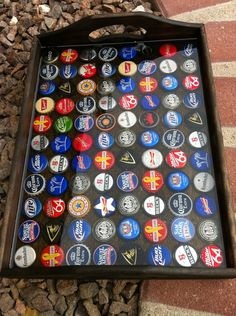 Diy Bottle Cap Crafts 231372499583293206 - Bottle Cap Tray Source by Diy Bottle Cap Crafts, Beer Cap Crafts, Bottle Cap Projects, Bottle Top Art, Bottle Cap Table, Beer Cap Table, Beer Cap Art, Beer Caps, Bottle Cap Coasters