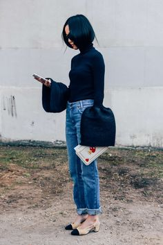 October 4, 2015 Tags Turtlenecks, Yoyo Cao, Céline, SS16 Women's, Jeans, Paris, Chanel