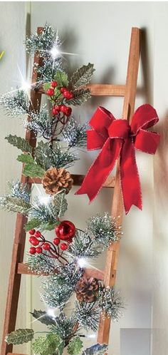 Christmas Crafts To Sell, Christmas Room, Rustic Christmas, Christmas Projects, All Things Christmas, 2x4 Crafts, Christmas Flower Arrangements, Alternative Christmas Tree, Rainbow Crafts