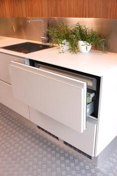 frigo tiroirs ou l 39 astuce pour ne pas perdre du plan de t id es cuisine by maxime. Black Bedroom Furniture Sets. Home Design Ideas