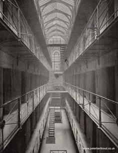 There are very few photos of Newgate prison on the net. The most commonly reproduced ones come from a late Victorian book, Queen's London, Anon, Cassell, 1897. But three of the most striking an